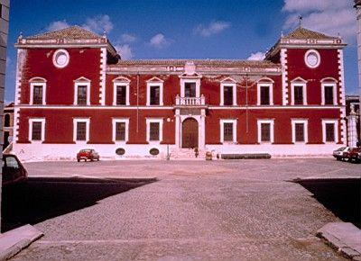 20110831131955-palacio-ducal-fernan-nunez-espana.jpg